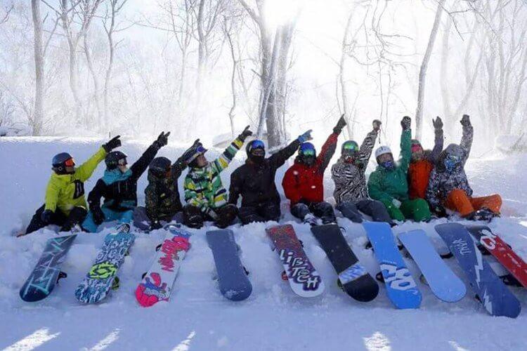 冬季团建拓展,推荐这十大滑雪胜地!
