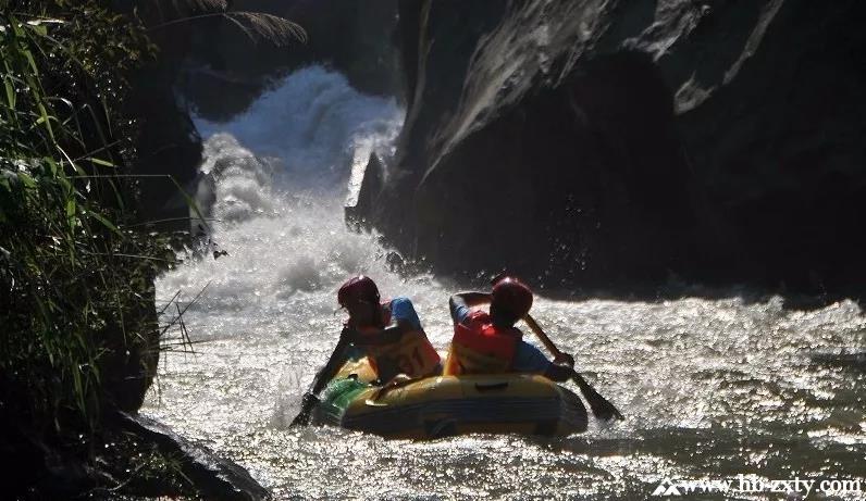 夏季户外拓展||还等什么?快去毕生大峡谷漂流吧!