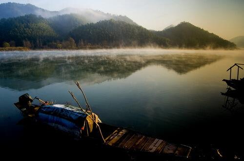 赤壁拓展基地:陆水湖风景区