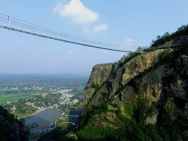 湖南拓展基地:岳阳玻璃桥景区石牛寨
