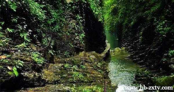湖南拓展基地:坐龙峡风景区