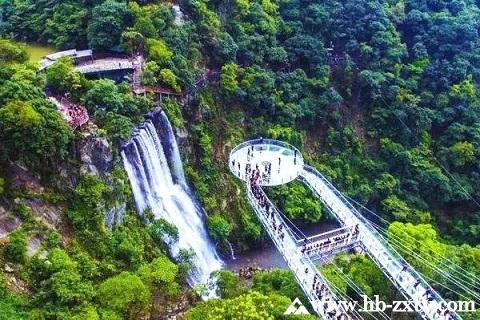 广东拓展基地:古龙峡玻璃大峡谷